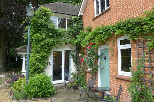 Thumbnail Flat to rent in Queen Mary Close, Fleet