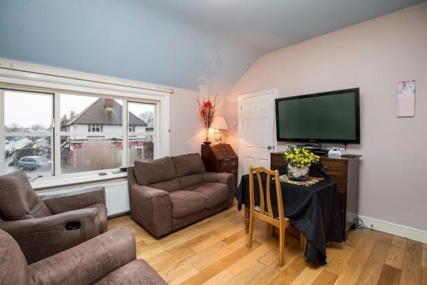 Flat for sale in Hawthorn Road, Bognor Regis