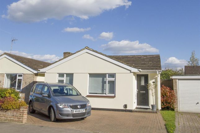 Thumbnail Detached bungalow to rent in Hermitage Drive, Twyford, Reading