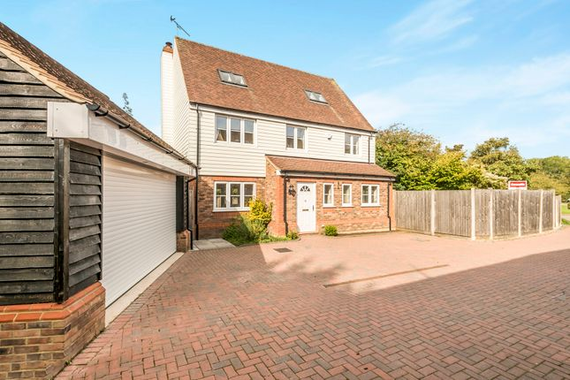 Thumbnail Detached house for sale in Luton Road, Offley, Hitchin