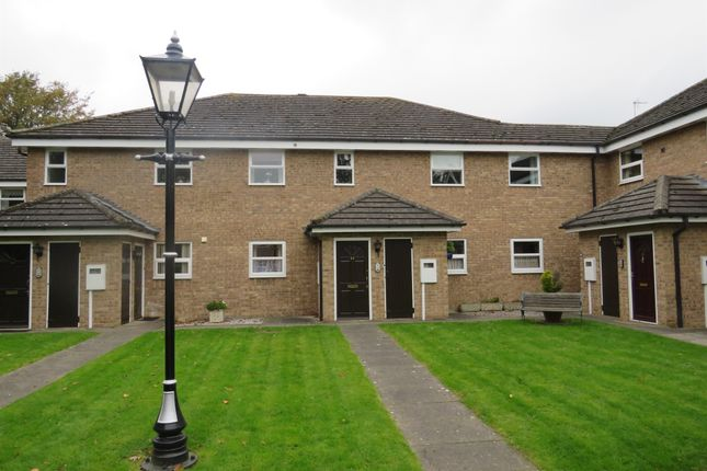 Thumbnail Flat for sale in Gonerby Road, Gonerby Hill Foot, Grantham