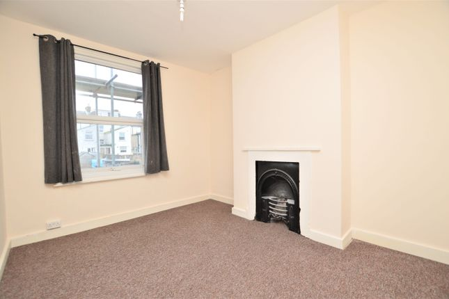 Thumbnail End terrace house to rent in Central Road, Ramsgate
