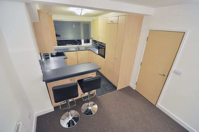 Thumbnail Flat to rent in Harehills Avenue, Chapel Allerton, Leeds