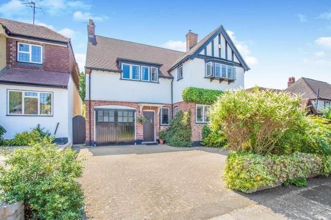 Thumbnail Detached house for sale in Parkside Drive, Watford, Hertfordshire, .