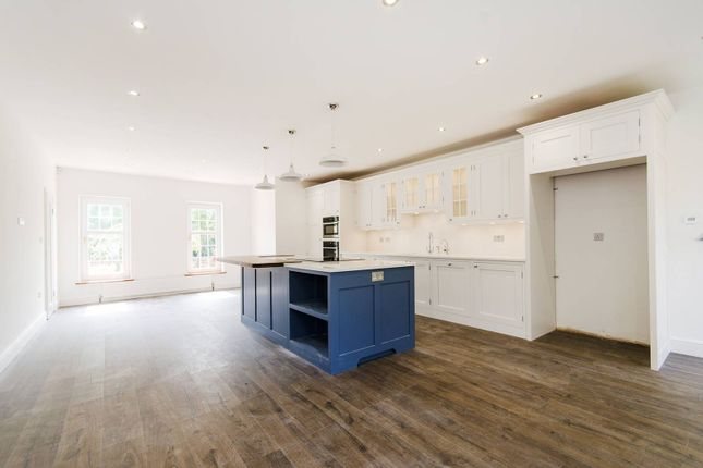 Thumbnail Property to rent in Amberley Close, Pinner