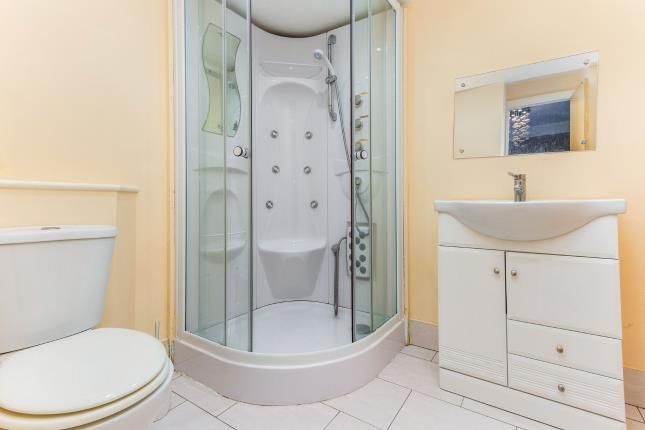 En-Suite of Beach Road, Thornton-Cleveleys FY5