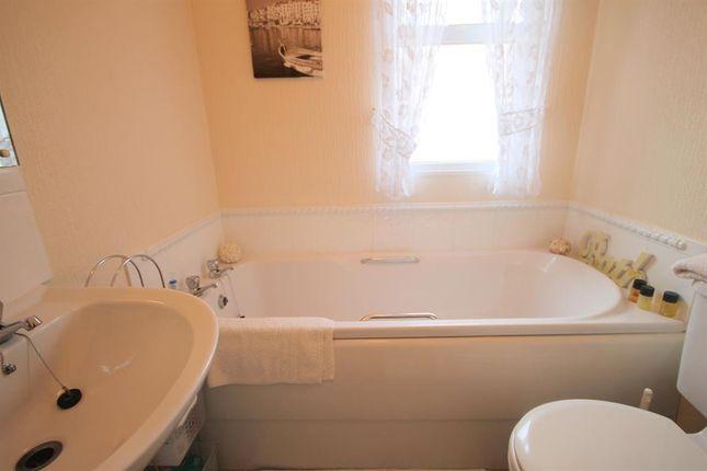 Bathroom of Amington Park, Amington, Tamworth B77