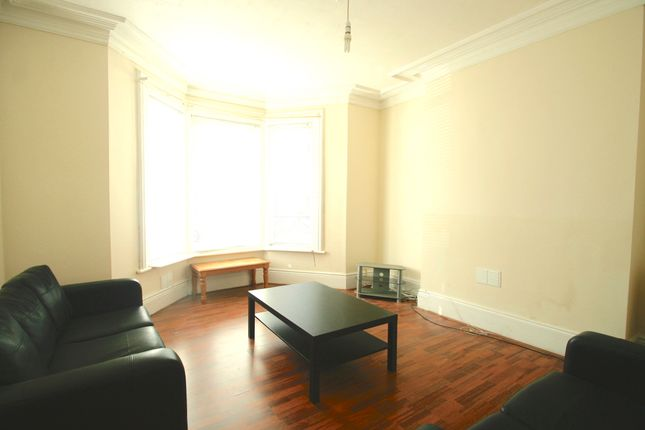 Terraced house to rent in 65Pppw - Simonside Terrace, Heaton