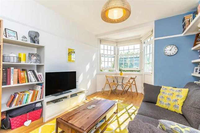 Thumbnail Flat for sale in Flora Gardens, London