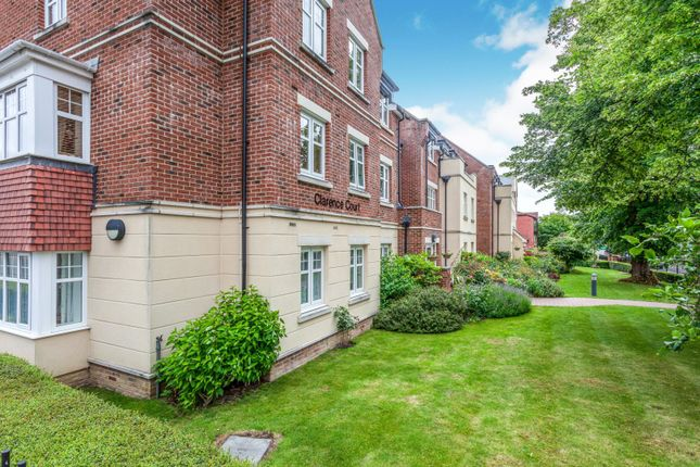 Thumbnail Property for sale in Brighton Road, Horsham