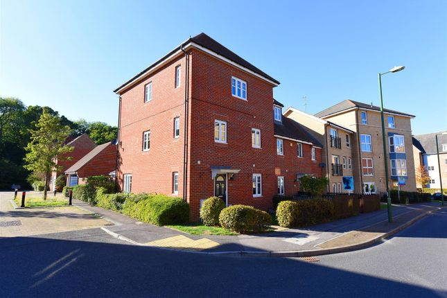 Thumbnail Property for sale in Coppice Pale, Chineham, Basingstoke