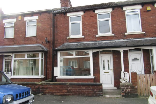 Thumbnail Terraced house to rent in Briggs Avenue, Castleford
