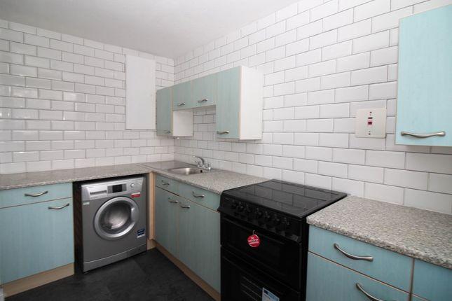 Thumbnail Flat to rent in Symon Tower, Seaton Place, Falkirk