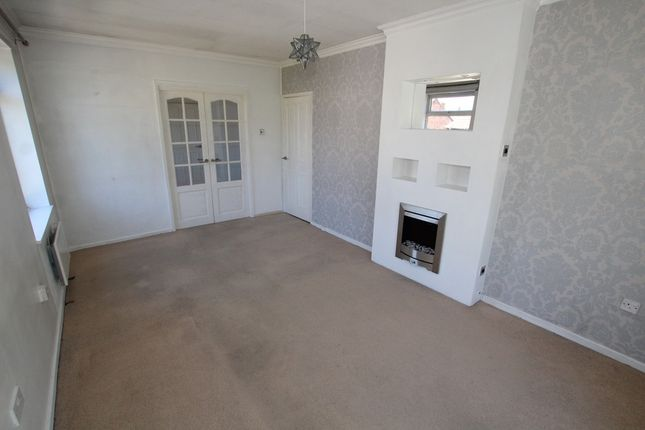 Thumbnail Flat to rent in Endbutt Lane, Crosby, Liverpool