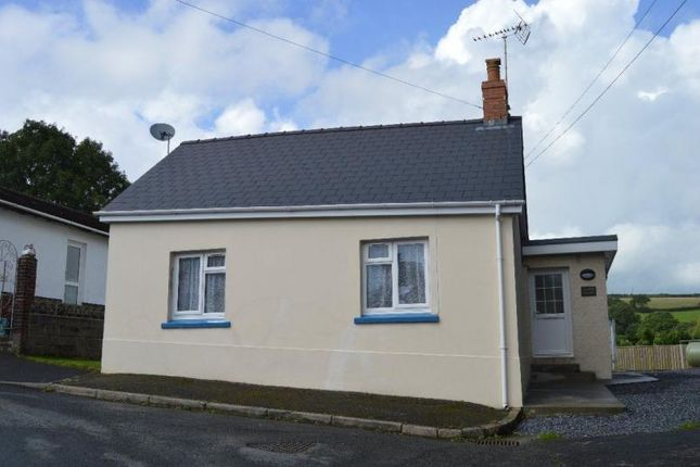 Thumbnail Bungalow to rent in Llanboidy Road, Meidrim, Carmarthen