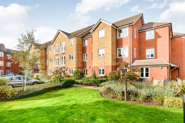 Thumbnail Flat for sale in Goodes Court, Royston