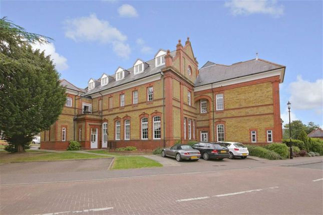 Thumbnail Flat for sale in Penrose House, Winchmore Hill, London