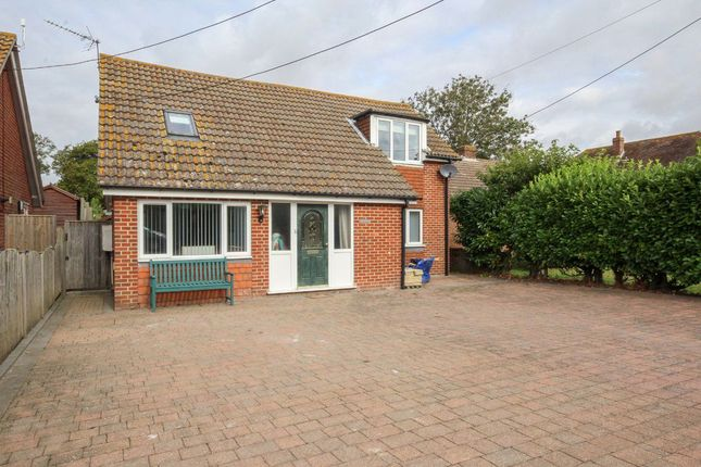 Thumbnail Bungalow to rent in Lower Street, Tilmanstone, Deal