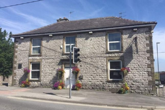 Thumbnail Pub/bar for sale in Hallsteads, Dove Holes, Buxton