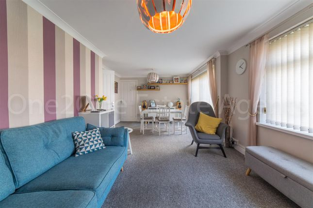 Thumbnail Flat for sale in Caernarvon Crescent, Llanyravon, Cwmbran