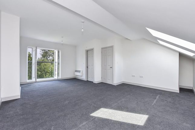 Master Suite of Commonside East, Mitcham CR4