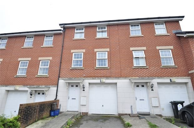Thumbnail Room to rent in Flavius Close, Caerleon, Newport