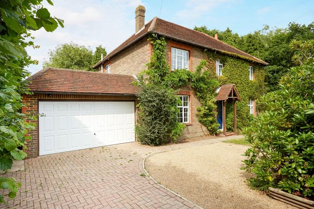Thumbnail Detached house to rent in Blackness Road, Crowborough