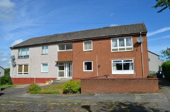 Thumbnail Flat to rent in Falkland Place, Stenhousemuir, Larbert