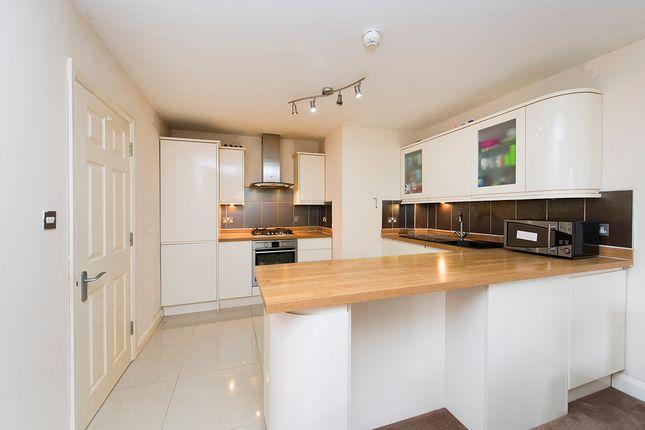 Thumbnail Flat to rent in Cranford Lane, Hayes