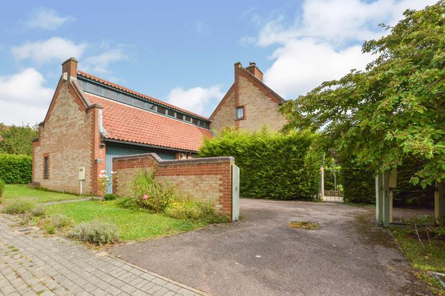5 bed detached house for sale in Thorneycroft Lane, Downhead Park, Milton Keynes MK15