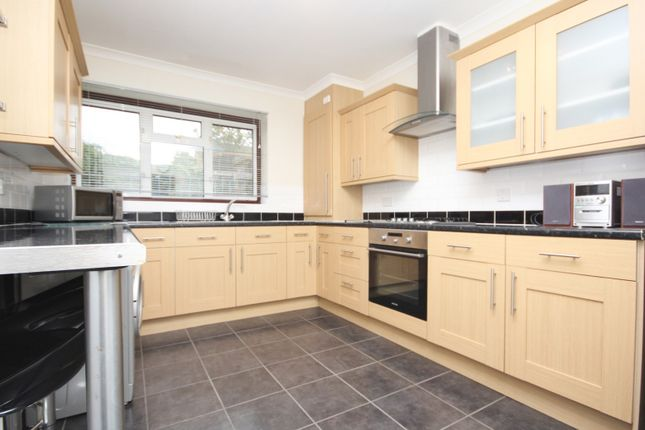Thumbnail Flat to rent in Hillrise Road, Romford