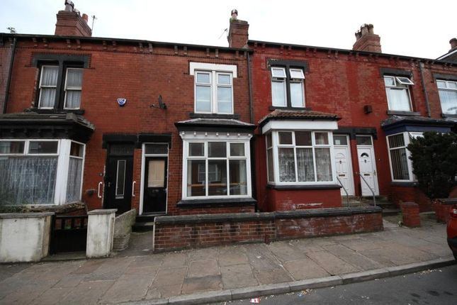4 bed terraced house to rent in Ruthven View, Leeds