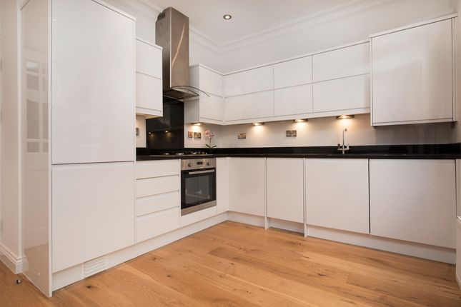 Flat to rent in Florence Road, London