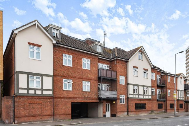 2 bed flat for sale in Cambridge Road, Norbiton, Kingston Upon Thames KT1