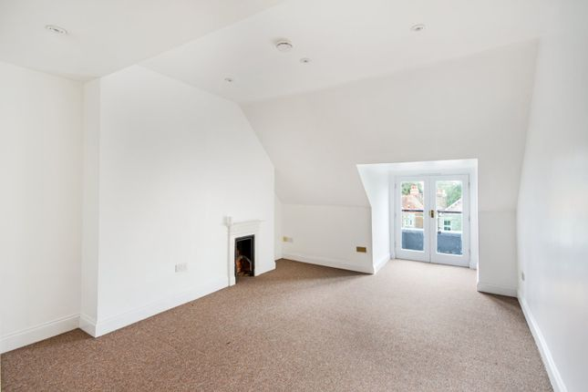 Living Room of Hartingdon House, 185 Hills Road, Cambridge CB2