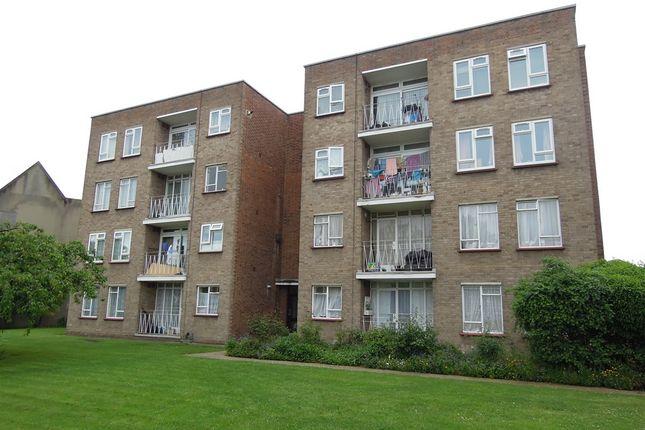 2 bed flat for sale in Longbridge Road, Barking