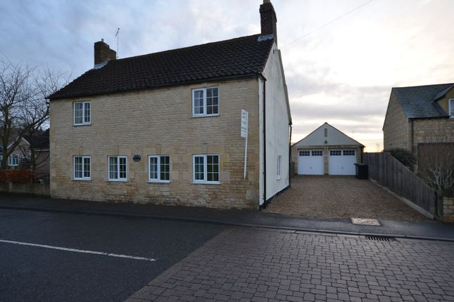 4 bed detached house to rent in Peterborough Road, Castor, Peterborough