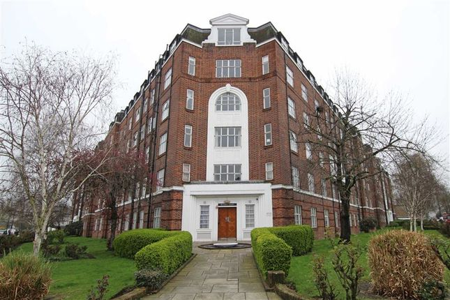 Thumbnail Flat to rent in Wellesley Road, London