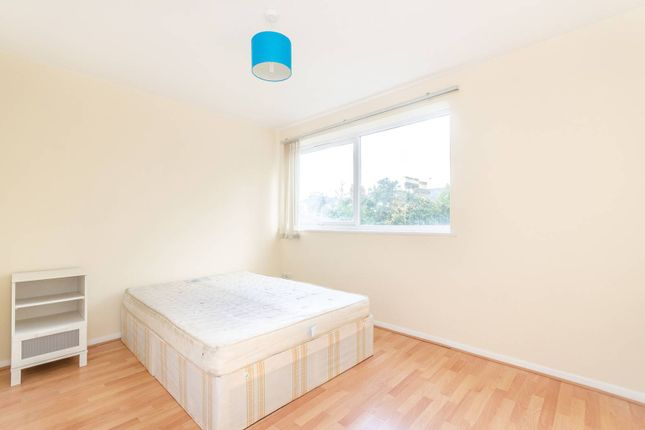 Thumbnail Flat to rent in Lenham Road, Lee