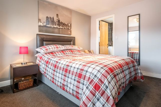 Bedroom 3 of Dean Bridge Lane, Hepworth, Holmfirth HD9
