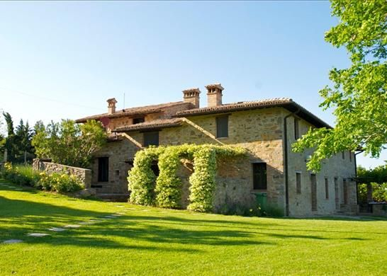 8 bed farmhouse for sale in 06055 Marsciano Pg, Italy