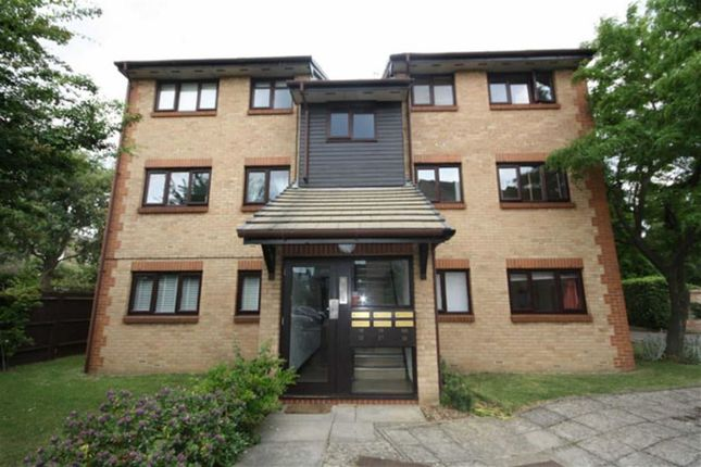Thumbnail Property to rent in Beaulieu Place, London