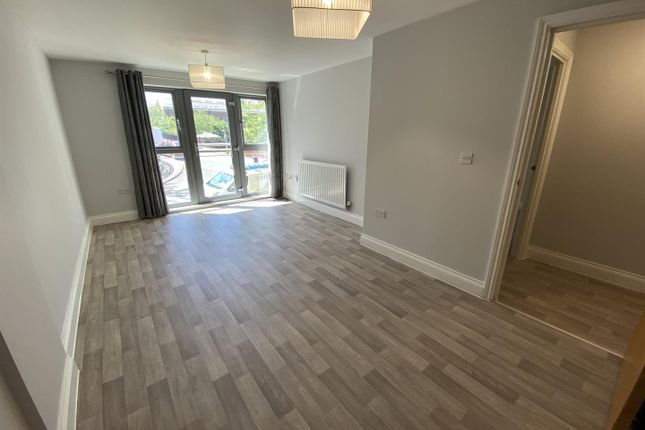 Thumbnail Flat to rent in Hamilton House, Wolverton, Milton Keynes