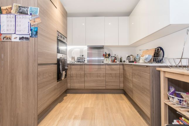 Thumbnail Flat to rent in Marine Wharf, 180 Plough Way, London