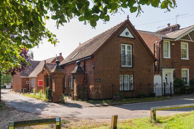 Thumbnail Cottage for sale in East Bay, Colchester