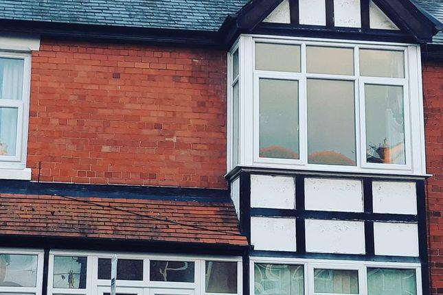 Thumbnail Flat to rent in Cadwgan Road, Old Colwyn, Colwyn Bay