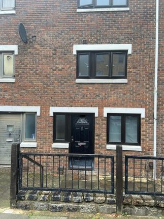 Thumbnail Terraced house to rent in Shearling Way, London