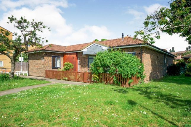 Thumbnail Bungalow for sale in Daintry Way, London