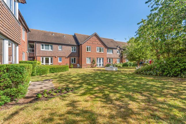 1 bed property for sale in Haddenhurst Court, Binfield RG42