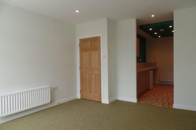 Thumbnail Flat to rent in Roxburgh Apartments, Whitley Bay